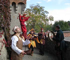 MEDIEVAL TROUPE